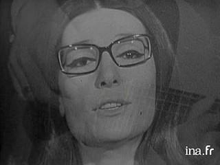 """Nana Mouskouri """"Tora pou pas stin xenitia"""" (""""Celui que j'aime"""")"""