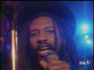 "Steel Pulse ""Reaching out"""