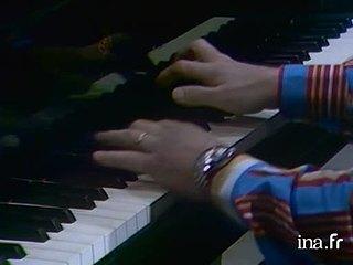 """Claude Bolling joue un extrait du thème du film """"Borsalino"""""""