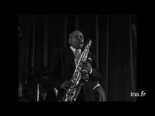 "Coleman Hawkins et Roy Eldridge ""Stompin' at the Savoy"""