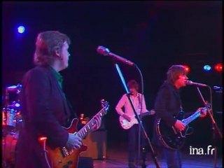 Le groupe Rockpile sur la scène du Théâtre de l'Empire à Paris 2/2