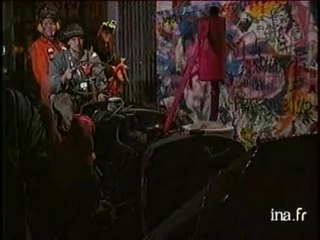 Nina Hagen abat le mur de Berlin à Paris
