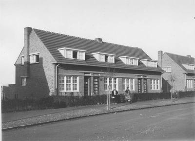 Woningen van Thuis Best in de Leliesingel te Lindenheuvel-Geleen.