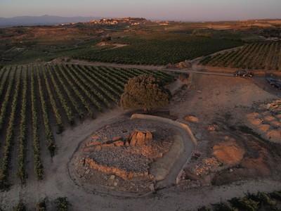 [A_Elvillar_Hechicera] Documentación geométrica del dolmen de la Chabola de la Hechicera (Elvillar, Álava)
