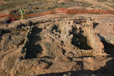[R_Arnedo_SanMiguel] Documentación geométrica de las excavaciones arqueológicas del Cerro de San Miguel (Arnedo, La Rioja)