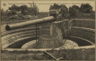 L'affût a été détruit à son extrémité par l'explosion d'une charge spéciale