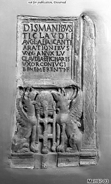 Fragment eines Grabreliefs für T. Claudius Abascantus