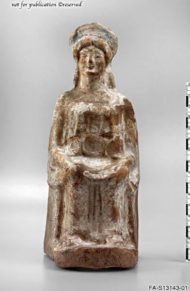 Terrakottastatuette einer thronenden Frau