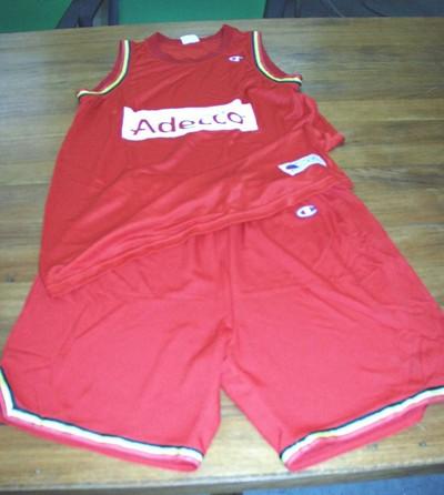 Basketbalkledij-uitrusting met reclameopschrift Adecco, 2-delig (shirt en korte broek)