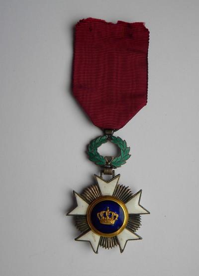 Anoniem, erekruis van Ridder in de Kroonorde, uitgereikt aan burgemeester Bollen in 1949 voor zijn diensten als gemeentemandataris, verguld metaal en email.