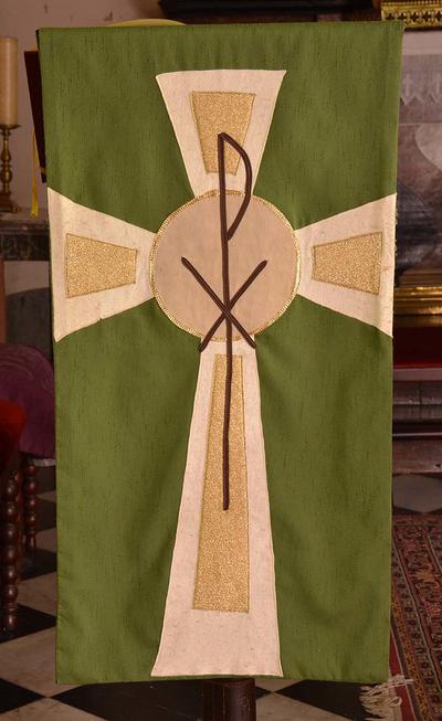 Set van groene antependia voor het altaar en de lessenaar