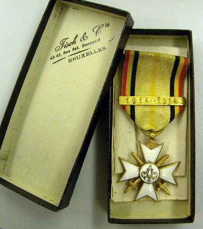 Fisch et Cie. Brussel, burgerlijk erekruis eerste klasse van Gerard Joseph Forier (1896-1958), uitgereikt 1923, email en brons.