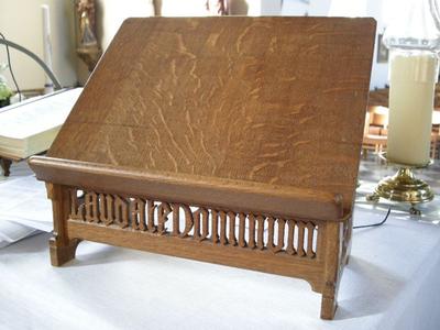 houten altaarlessenaar