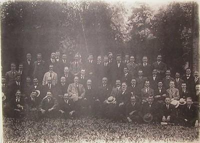 Célestin Blanckart (1881-?), foto van Verbroedering ex-onderofficieren Elfde Linieregiment afdeling Hasselt, s.d., hout, glas, papier.