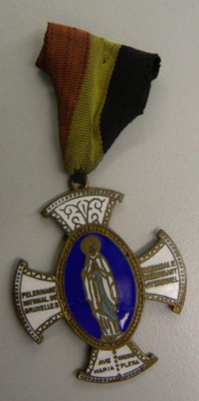 Anoniem, medaille 'Nationale Bedevaart uit Brussel, van Victor Smeets, s.d., brons en email.