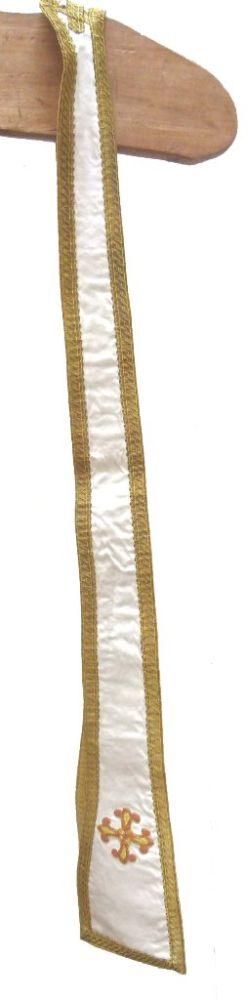 stola in ecru damast, goudbrocaat en -galon, goudlaken en borduursel