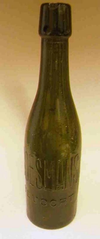 Anoniem, fles met opschrift G. Boesmans / Stevoort, s.d., glas.