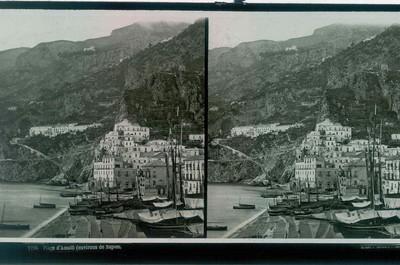 Ferrier p.f. & Soulier, J. Lévy Sr., stereokaart met zicht op het strand van Amalti, omgeving van Napels, s.d., glas.