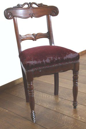 stoel in Engelse stijl