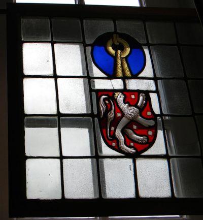 Anoniem, glasraam van Herkenrode met onbekend wapen, s.d., glas-in-lood.