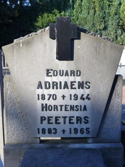 Grafzerk Adriaens-Peeters