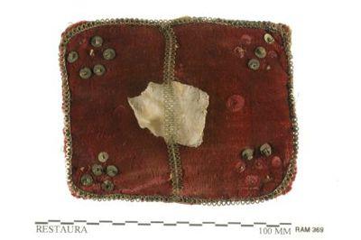 reliekhouder in textiel