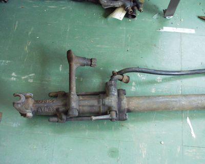 boorhamer met aangehechte cilinder