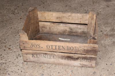 Kistje van Jos Ottenburgs om (klein) fruit in te transporteren