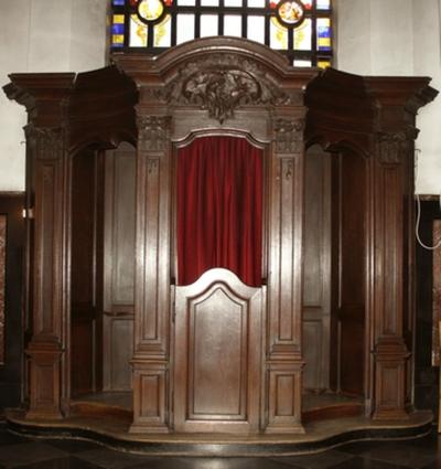 Twee biechtstoelen