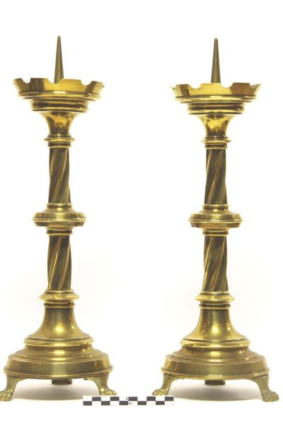 3 kandelaars - altaarkandelaars in geelkoper