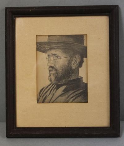 Foto van een afbeelding van Pater Damiaan door Edward Clifford