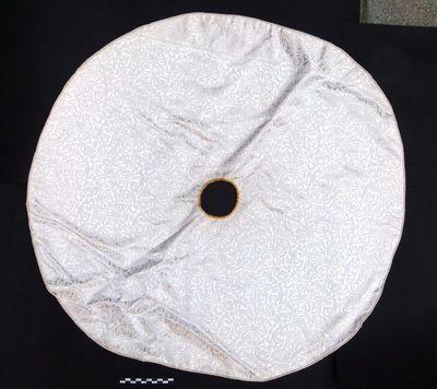 1 velum - ciborievelum in witte damast en gele zijde