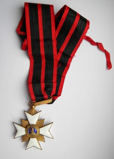 Anoniem, Ordekruis van de Orde van Sint-Silvester, s.d., goud en email.