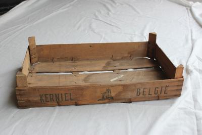 Kist van de Tongerse Fruitveiling afdeling Kerniel om fruit in te verpakken
