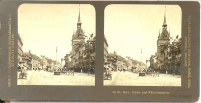 Neue Photographische Gesellschaft A.G. Steglitz-Berlin, stereokaart met zicht op Bären- und Waisenhausplatz in Bern, s.d., papier op karton.