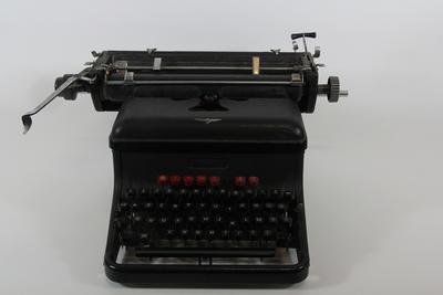 Typemachine uit de 20ste eeuw