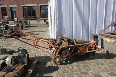 Machine om wagons uit de (stroop)fabriek te rijden