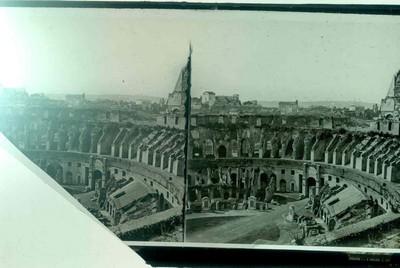 Anoniem, stereokaart met zicht op het Colosseum (?), s.d., glas.