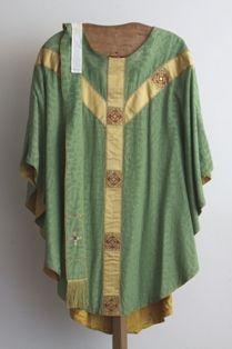 stola in groene zijde, gouddraad en glasedelstenen