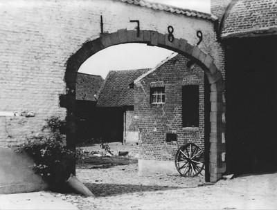 Ingangspoort hoeve 'Hof te Roetaert' in Heikruis 1789
