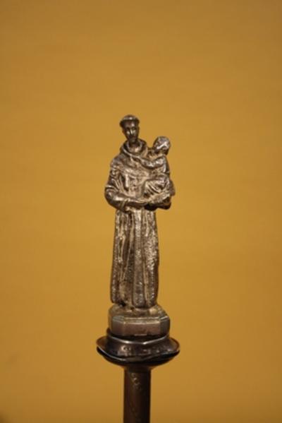 Ceremoniestaf met de heilige Antonius van Padua