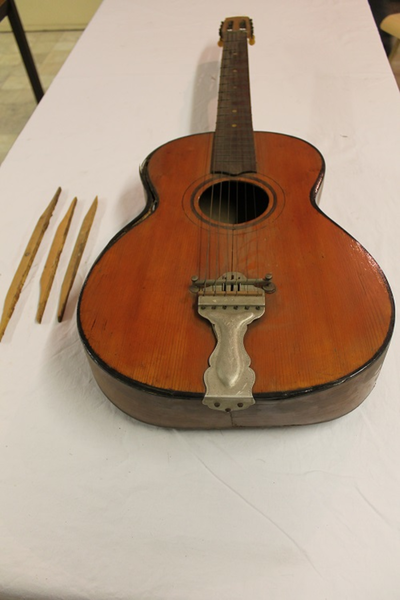 Een akoestische gitaar