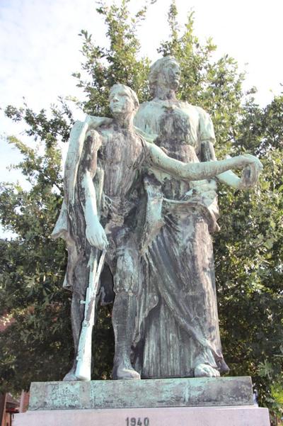 Oorlogsmonument ter ere van de gesneuvelden uit de deelgemeente Beersel