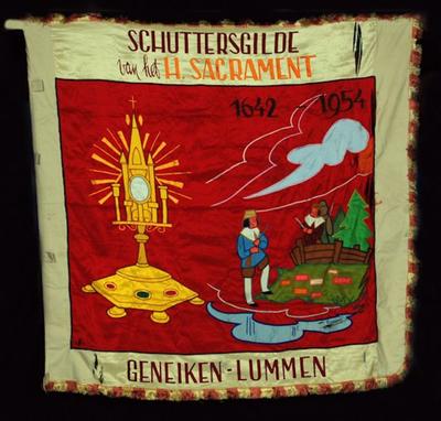 Vlag van schuttersvereniging H. Sacrament Geneiken 1954