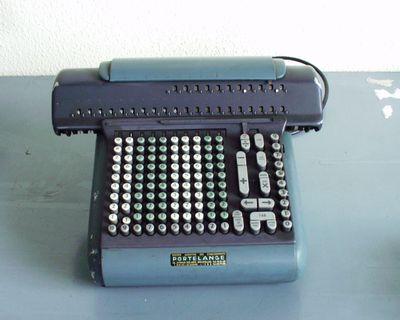 elektro-mechanische rekenmachine