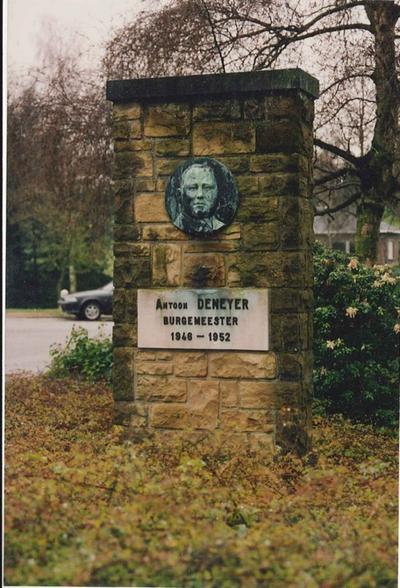 Gedenkteken burgemeester Antoon Deneyer.