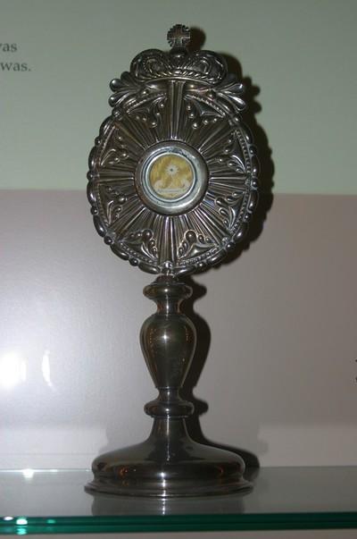 Reliekmonstrans met reliek van Heilige Franciscus van Assisi