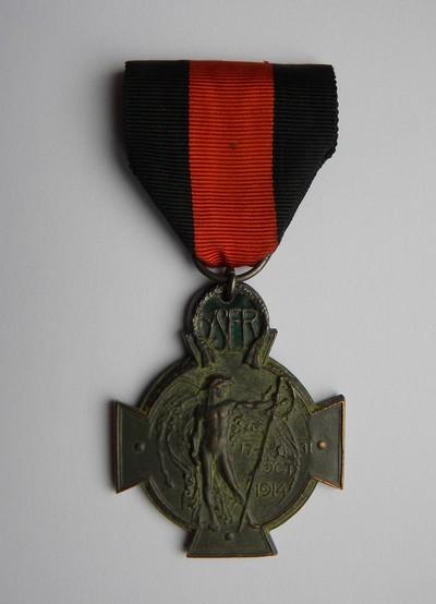 Anoniem, IJzerkruis 1914-1918, uitgereikt aan burgemeester Bollen in 1920, s.d., brons en groen email.