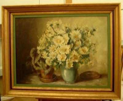 Josy-Anne Pirson (1911-1979), Bloemstuk met margrieten, 1958, olie op doek.