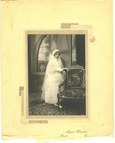 August(e) Blanckart (1878-1952), communiefoto, s.d., op karton.